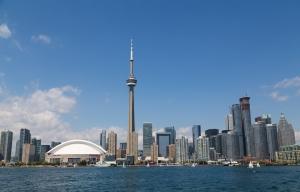 1511PZLW_Toronto-Skyline-BS69179341